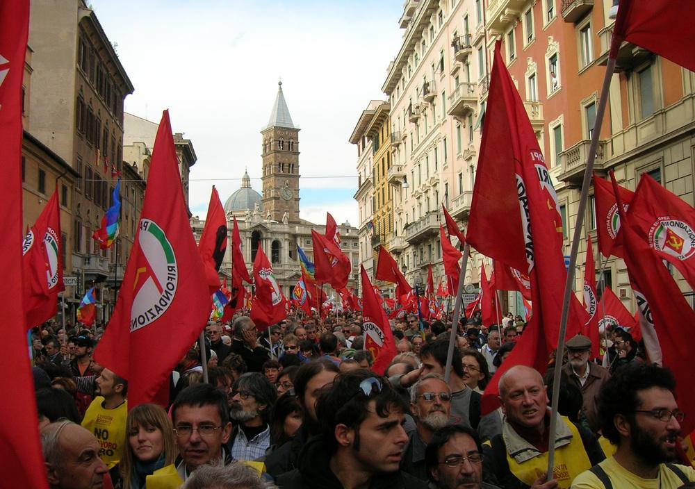 Italská strana Rifondazione Comunista byla kdysi velkou nadějí a stála včele sociálních hnutí v Itálii. zdroj: www2.rifondazione.it