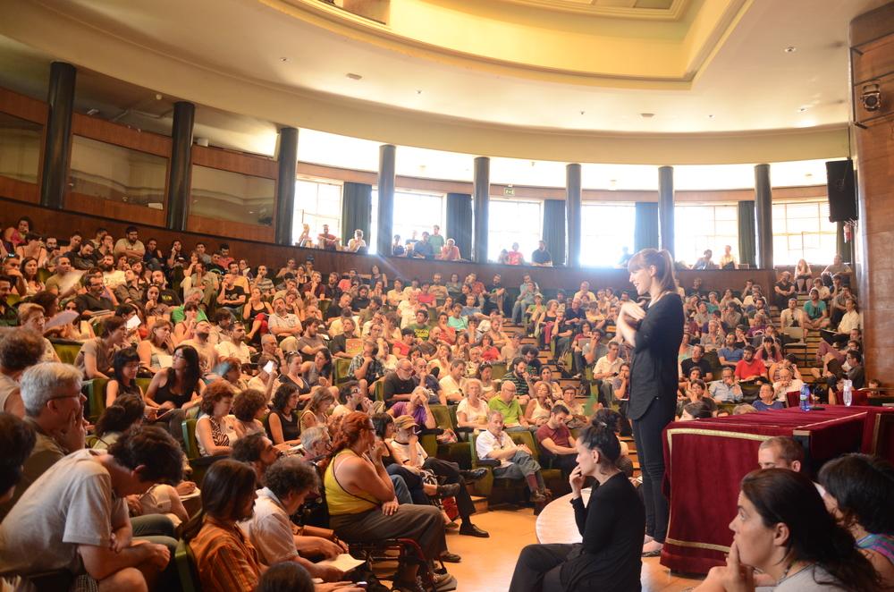 Podemos_shromáždění_Alejanro_Valdezate.jpg_1000px