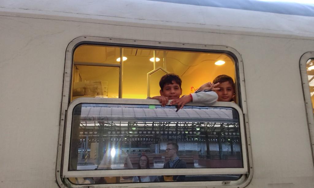 7_Syrské děti ve vlaku